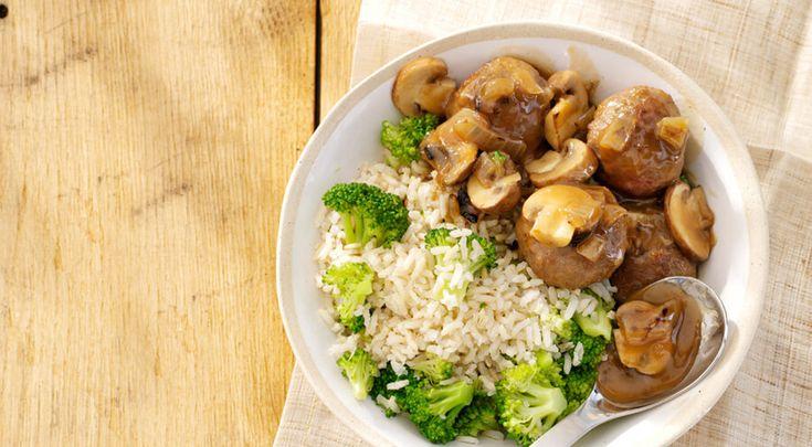 Heerlijk recept voor Gehaktballetjes. Ingrediënten: kastanjechampignons, gehaktballetjes, en broccoli. Gebruik Lassie Zilvervliesrijst met een volle smaak.