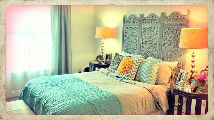 Love the headboard. I wanna get a room divider and use it as a headboard, so pretty.    Eclectic bedroom. A blog that gives inspiration.  @pattibd