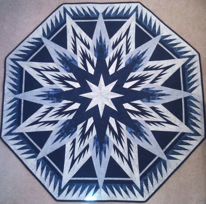 Feathered Snowflake Tree Skirt Quiltworx Made By Helen Roehl