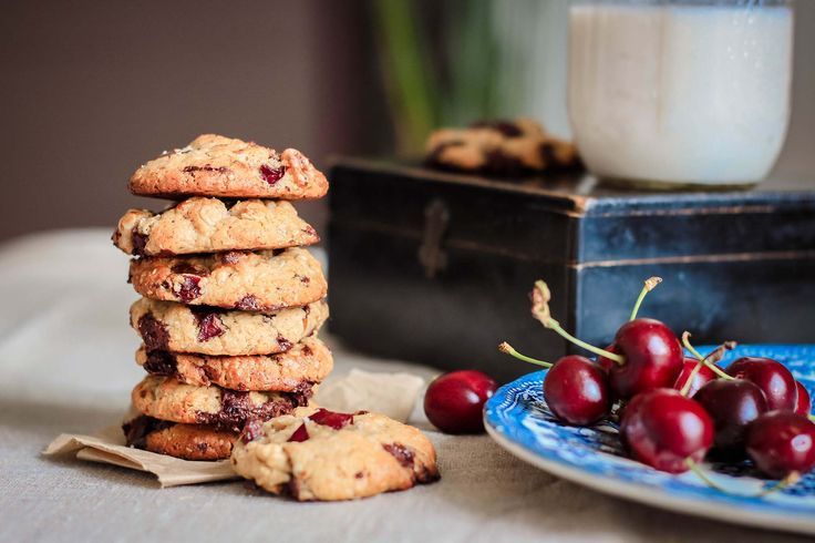 Cookies rustiques & gourmands avoine/chocolat/noix/cerises {sans gluten} #cookies #avoine #chocolat #noix #cerise #sansgluten #glutenfree #chocolate #oats #walnut #cherry #food #photography #foodphotography