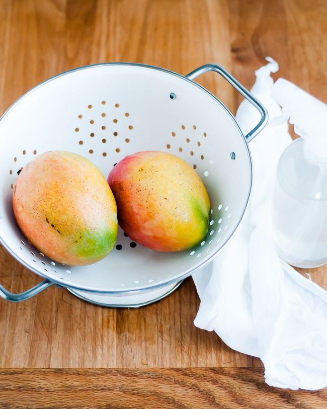 DIY Fruit and Veggie Spray Wash   3 Cleaning Soak Methods   http://hellonatural.co/diy-vegetable-wash/