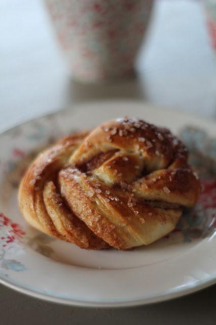 """On dine chez Nanou: Brioches danoises à la cannelle ou """"kanelsnurrer"""""""
