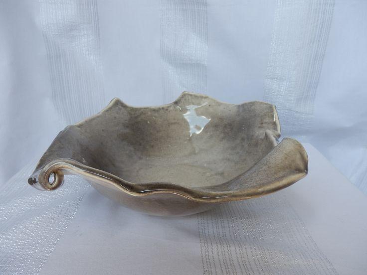 Coupe ronde originale en céramique émaillée en nuage de blanc et gris : Art céramique par meltingpot