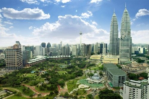 Malaysia, in Southeast Asia, is a great combination of history and modernization, and is a great tourist spot. The place is a cultural mixing bowl of Malay, Chinese, Indian and indigenous customs and heritage, and while for most people, the name Malaysia only brings pictures of Kuala Lumpur, there is a lot more to it. Let us take a look at 10 best places to visit in Malaysia. #Travel #wanderlust