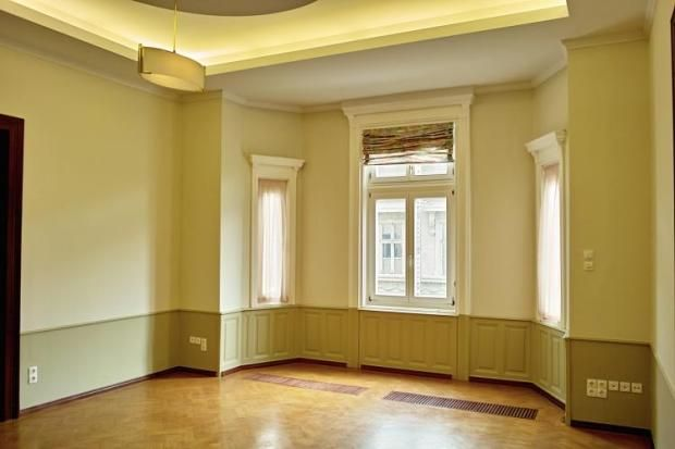 2bed budapest  District 1  £167k Jan 2015