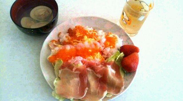 春らしいちらし寿司♪  お吸い物は、さっぱりでした! - 0件のもぐもぐ - ちらし寿司 by asayaka