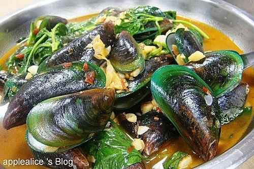 Stir-fried Green Mussel with Basil  #Taiwan #food 塔香孔雀蛤