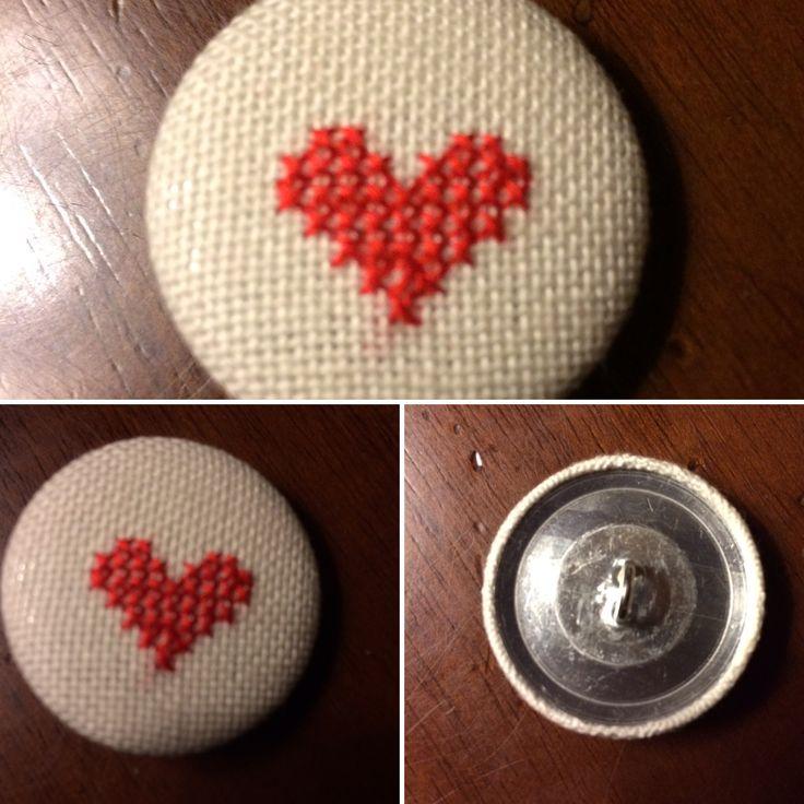 #bottoni #rivestitiamano #puntocroce #pointdecroix #handmade #handmadewithlove