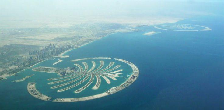 Wonen aan zee in #Dubai. Geniet van de zee en het comfort van de luxe woonomgeving. Zeezicht, architectuur, design en mooie vergezichten. Een veilige haven met state-of-the-art faciliteiten. Ontspan in een villa of appartement in de kunstmatige archipel van Palm Jumeirah. #Yazuul