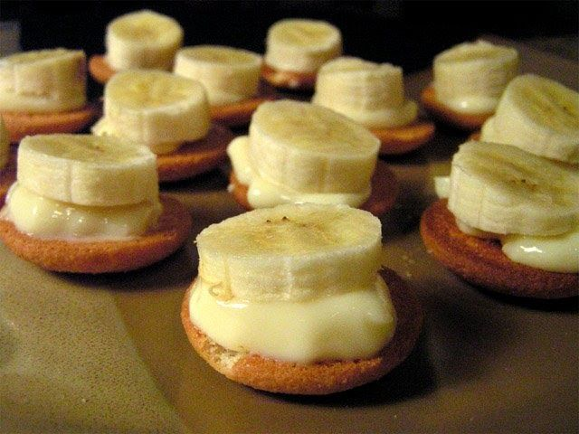 The 99 Cent Chef: Mini-Banana Puddings