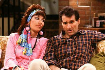 """21 Moments From """"Married With Children"""" That Would Never Fly Now"""