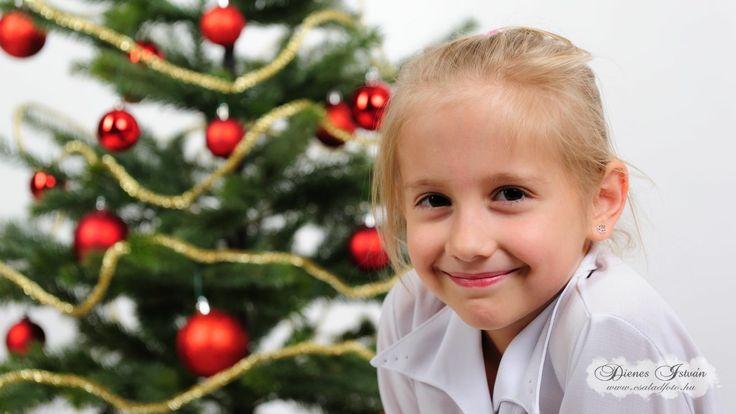 Karácsonyi gyermekfotózás műteremben | Csaladfoto.hu - Dienes István http://csaladfoto.hu/gyermekfotozas/