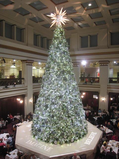 Marshall Field's (Macy's) Christmas Tree -- 2009