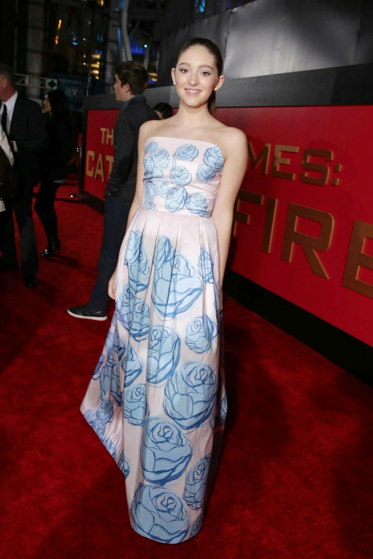willow shields primrose everdeen at the catching fire premiere in los angeles - Primrose Everdeen Halloween Costume