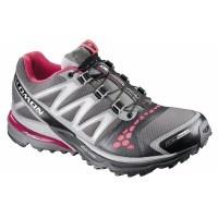 Retrouvez notre sélection de chaussures de trail Salomon, Asics, Nike ou encore The North Face. A la recherche de chaussures trail running femme pour vos entrainements ou la compétition, vous trouverez la chaussure de trail idéale adaptée à vos sorties nature.