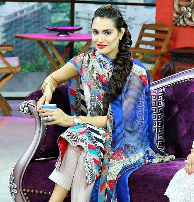 Nadia Hussain in today's morning show on HUM TV  #NadiaHussain #MorningShow #JagoPakistanJago #HUMTV  #followme #insta #instagram #instapic #instagood #instafollow #instagramers #instalike #instafashion #samysays #instafamous #lifestyle #style #model #glam #glamour #artist #fashion #fashionista