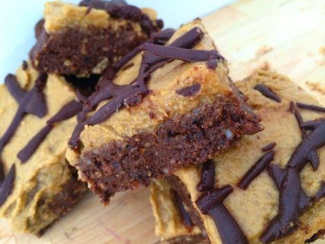 RAW CHOCOLATE BROWNIES WITH BANANA FROSTING & RAW CHOCOLATE GANACHE. VEGETARIAN