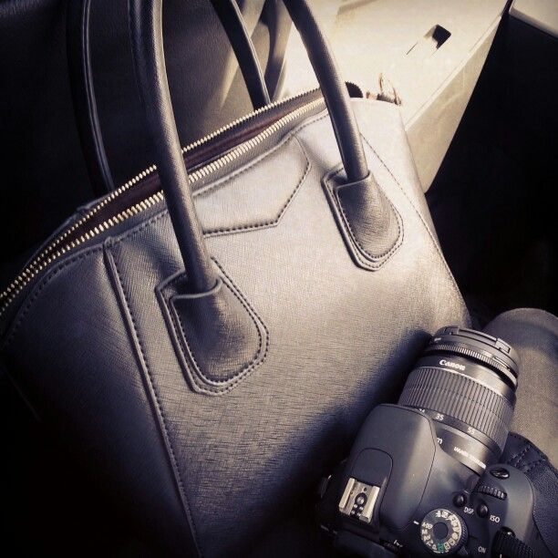 on the way to our spring shoot #melbournestyle #photos #spring #tothenines https://www.thenines.com.au