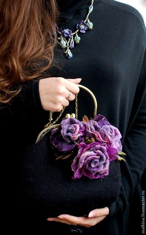Купить Валяная сумочка Фиолетовые розы - черный, сумочка, вечерняя сумочка, черная сумочка
