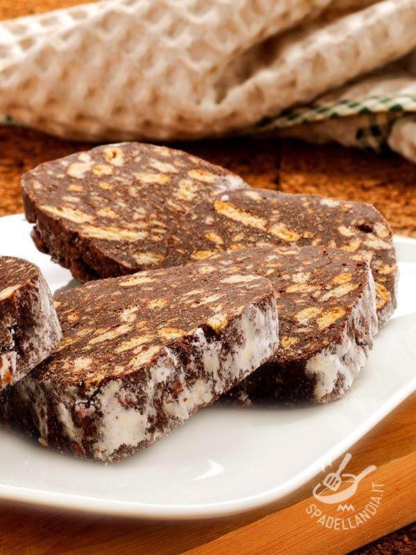 Salame al cioccolato fondente - Chocolate cake and biscuits #chocolatecake #biscuitscake #salamealcioccolato #tortaalcioccolato