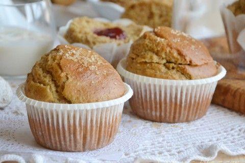 Muffin integrali senza lattosio con cuore di marmellata