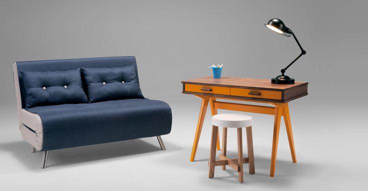 Soyez toujours prêt pour des éventuels invités, même si vous êtes à court d'espace, avec le petit canapé-lit Haru bleu Quartz.