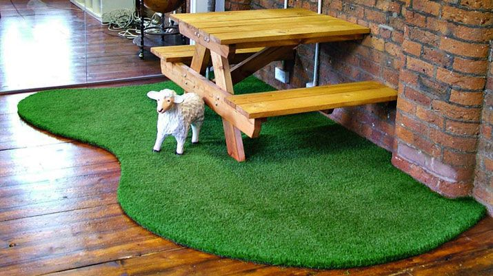 Artificial Grass And Picnic Table