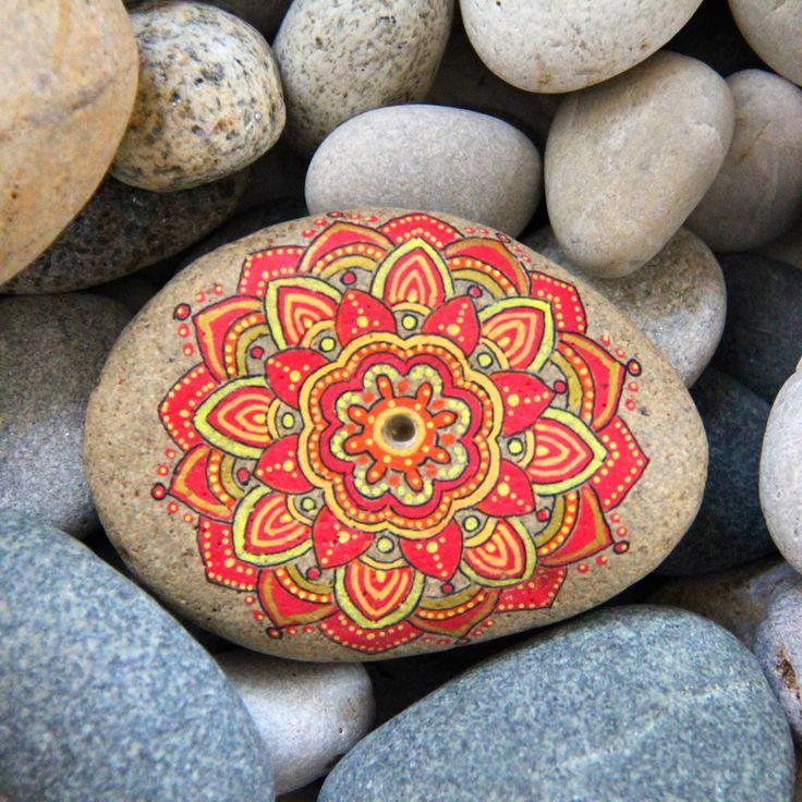 Las 25 mejores ideas sobre mandalas pintadas en pinterest for Pintura para pintar piedras