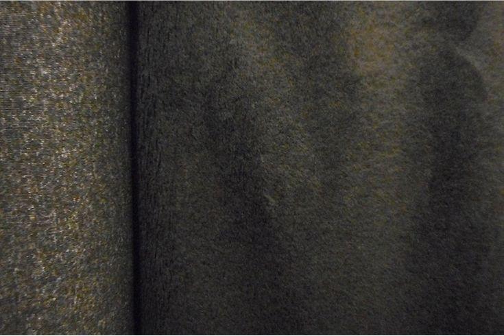 Tejido de pelo negro de carnaval con caída, suave y agradable. Disponible en varios colores. Ideal para disfraces de gorila, conejo, perro o para confección de cuellos..#pelo #corto #colores #caído #suave #agradable #confección #cuellos #mangas #disfraces #carnaval #oso #perro #conejo #tela #telas #tejido #tejidos #textil #telasseñora #telasniños #comprar #online #comprartelas #compraronline