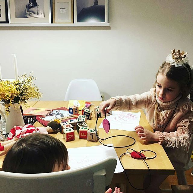 "Play with your children, draw with your children. And get them crayon necklaces of course❤ @Regrann from @more_less_ines - ""Evo tebi sad malo roza, a ja cu uzeti crvenu!"" Ne znam kako je vama proteklo popodne, ali mi smo bili kreativni, ucili smo abecedu i crtali s našim novim prekrasnim bojicama/ogrlicama #boyacrayons #valentines #limitededition #creativityfound #kidscreate #drawing #drawyourlove #lovestory #draw #creativekids #creativity #crayons #crayonlove #ihavethisthingwithpink…"