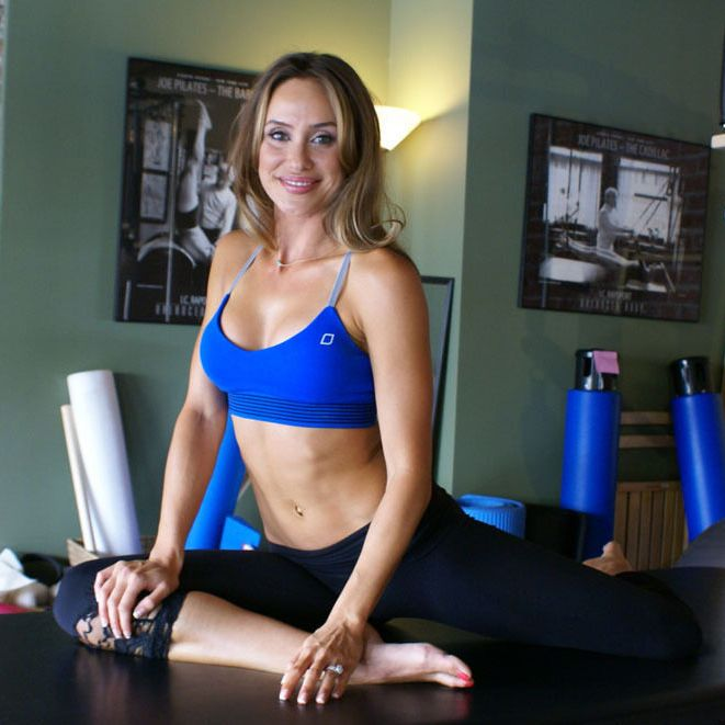 10-Minute Core Workout By Christine Bullock | Move Nourish Believe
