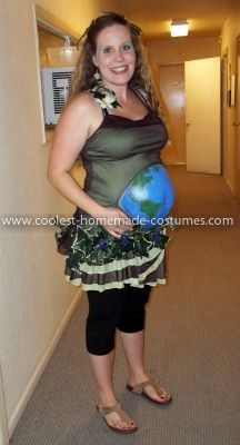coolest mother earth and father time pregnant couple costume - How To Make Homemade Costumes For Halloween