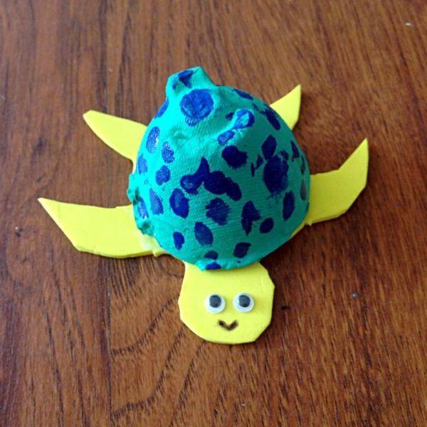 coole bastelideen eierschachtel verwenden farbige schildkröte