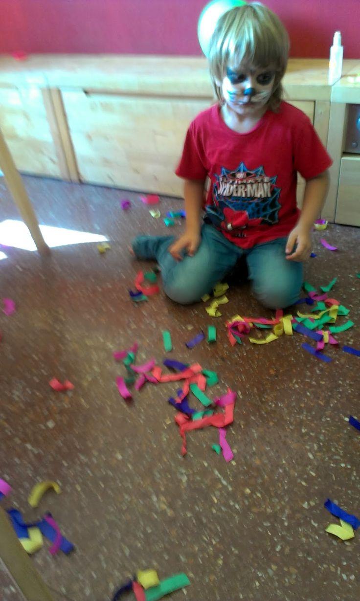 Limpiar Baño Amarillo:Baño de las mascotas, fiesta del perro, diversión, limpieza, niños