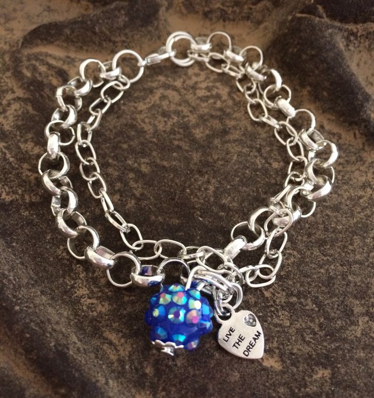 Armband med strasskula och hjärta med text: live the dream. Bracelet with strass bead and heart: live the dream. Sams design handmade