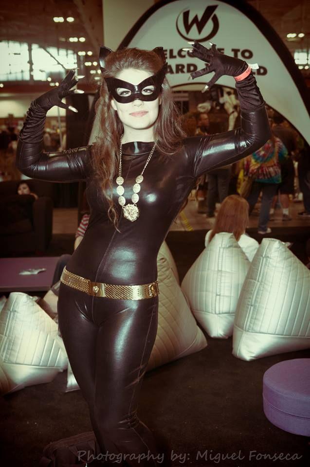 60's Catwoman cosplay - Demon Geek