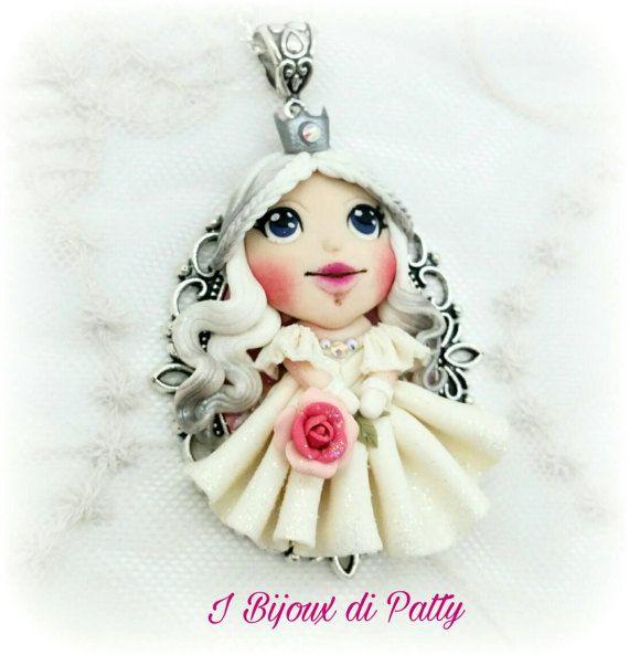Guarda questo articolo nel mio negozio Etsy https://www.etsy.com/listing/501673144/collana-con-ciondolo-regina-bianca