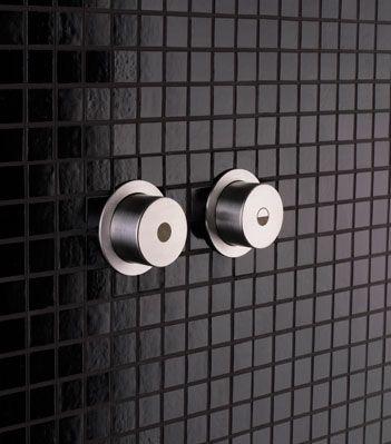 Knapper toalett A83-40 Vola  Vola A83 Dobbel Trykknapp, 3/6 liter Pneumatisk, Rustfritt