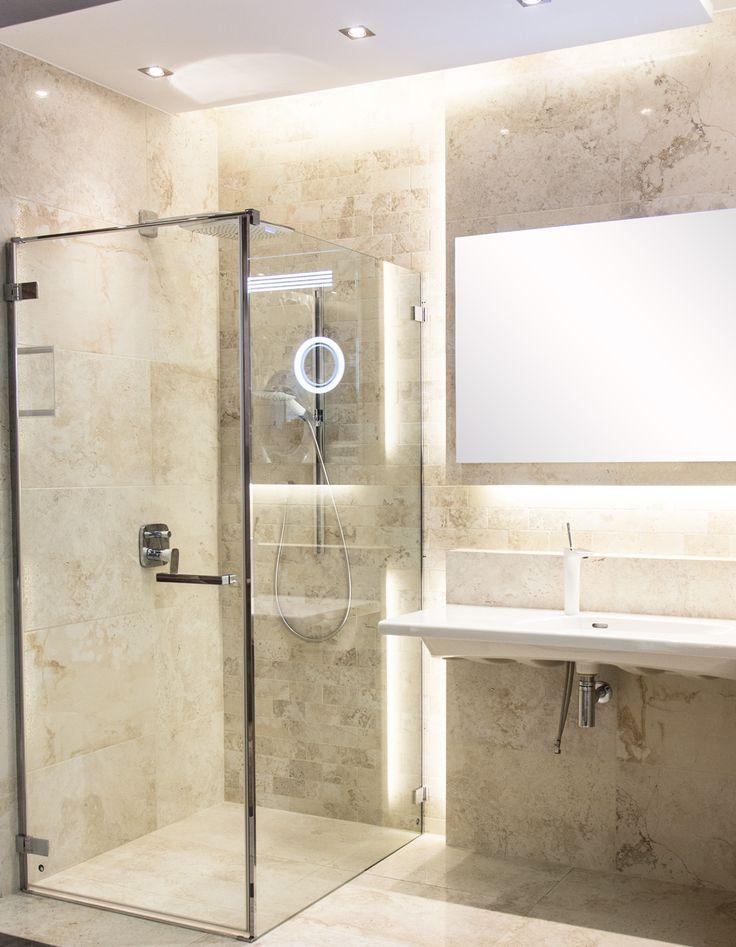 #Viverto #inspiracjeViverto #łazienka #bathroom #tiles #płytki #kolory #inspiracja #inspiracje #pomysł #idea #perfect #beautiful #nice #cool #wnętrze #design #wnętrza #wystrójwnętrz #łazienki #jasno #pięknie #ściana #wall #light #white #biel #beże #beż #sun #sunny #prysznic #kabina #umywalka #bateria #armatura