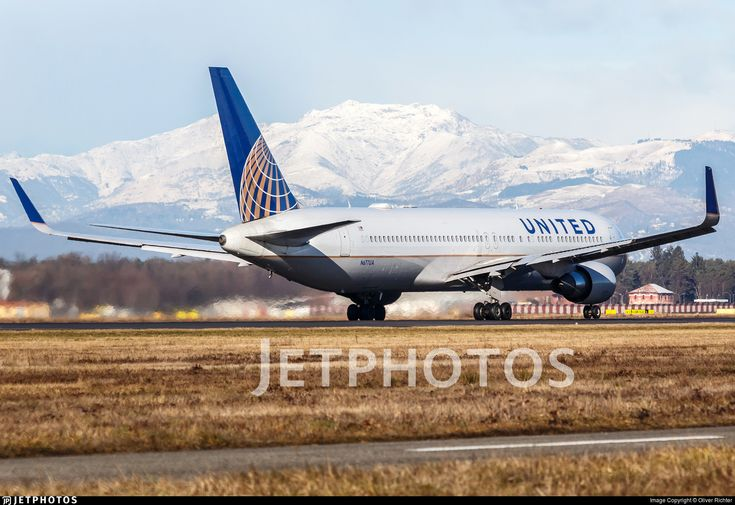 [1600px] Taking off runway 35R as <b>United 18</b> to EWR at 10:32 hrs.. N677UA. Boeing 767-322(ER). JetPhotos.com is the biggest database of aviation photographs with over 3 million screened photos online!
