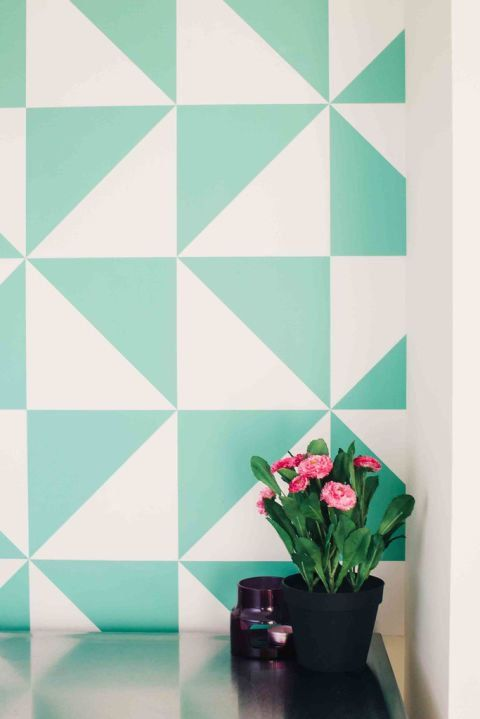 Tessellated triangles conjure up #cheerful pinwheels; and this shade of #green is just icing on the cake: http://www.housebeautiful.com/shopping/home-accessories/tips/g1324/peel-and-stick-removable-wallpaper-1212/?slide=3  #wallpaper #interiordesign #interior #interiorstyle #interiorlovers #interior4all #interiorforyou #interior123 #interiordecorating #interiorstyling #interiorarchitecture #interiores #interiordesignideas #interiorandhome #interiorforinspo #decor #homestyle #homedesign