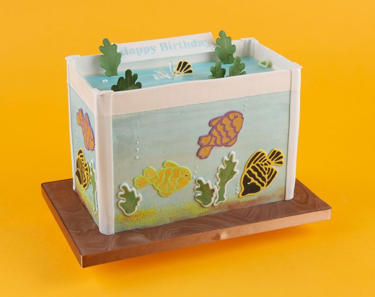Perfect for fans of fish, this pack includes stencils and cutters for painting and cutting fish and fronds.