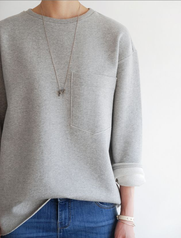 classic casual | jeans and grey sweatshirt