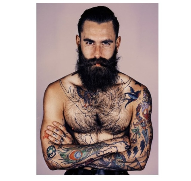 hubba hubba. If my husband could grow a beard like this.. I would be OK with that!!