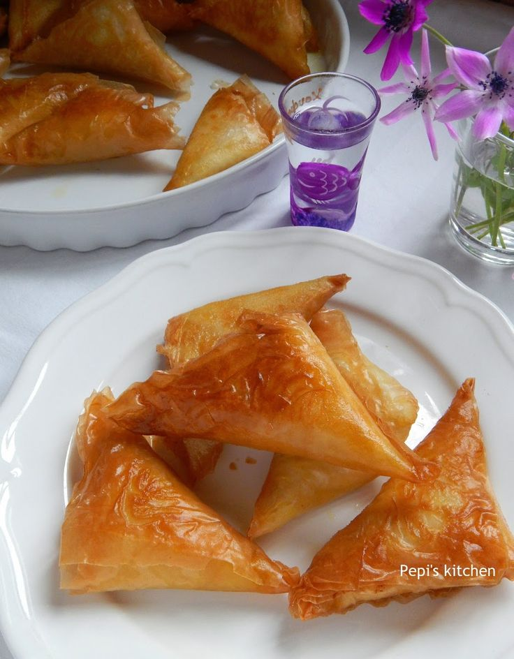 Cheese Phyllo Triangles http://pepiskitcheninenglish.blogspot.gr/2015/03/cheese-phyllo-triangles-greek-recipe.html