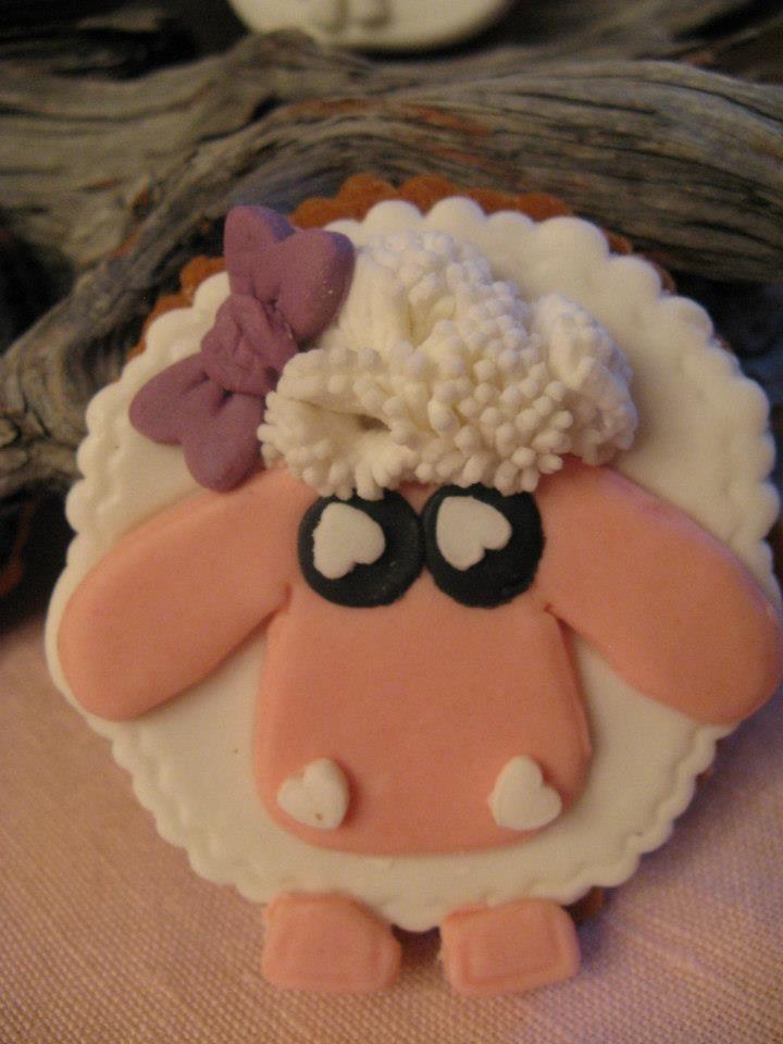 pecorella in pasta di zucchero biscotto bomboniera Omar Busi