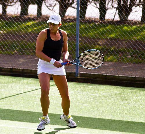 come curare il gomito del tennista