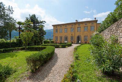 Affitti Capodanno Toscana di charme | Villa di lusso Capodanno in Versilia. http://www.capodannotoscana.it/it/Capodanno-in-villa-di-lusso/Lucca-Versilia-e-dintorni/Offerte-Capodanno-Toscana-Villa-di-lusso-in-affitto-in-Versilia-517/