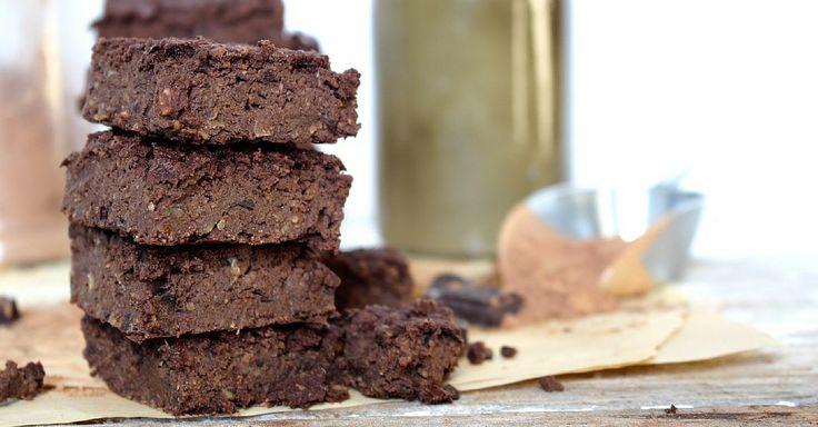 Fitness fazolové brownies bez mouky, skokosem a datlemi