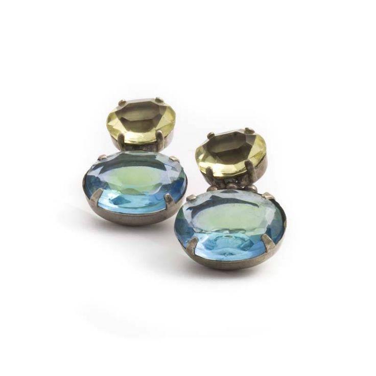 De Luxe Geel blauwe oorbellen met twee prachtige ovale kristallen